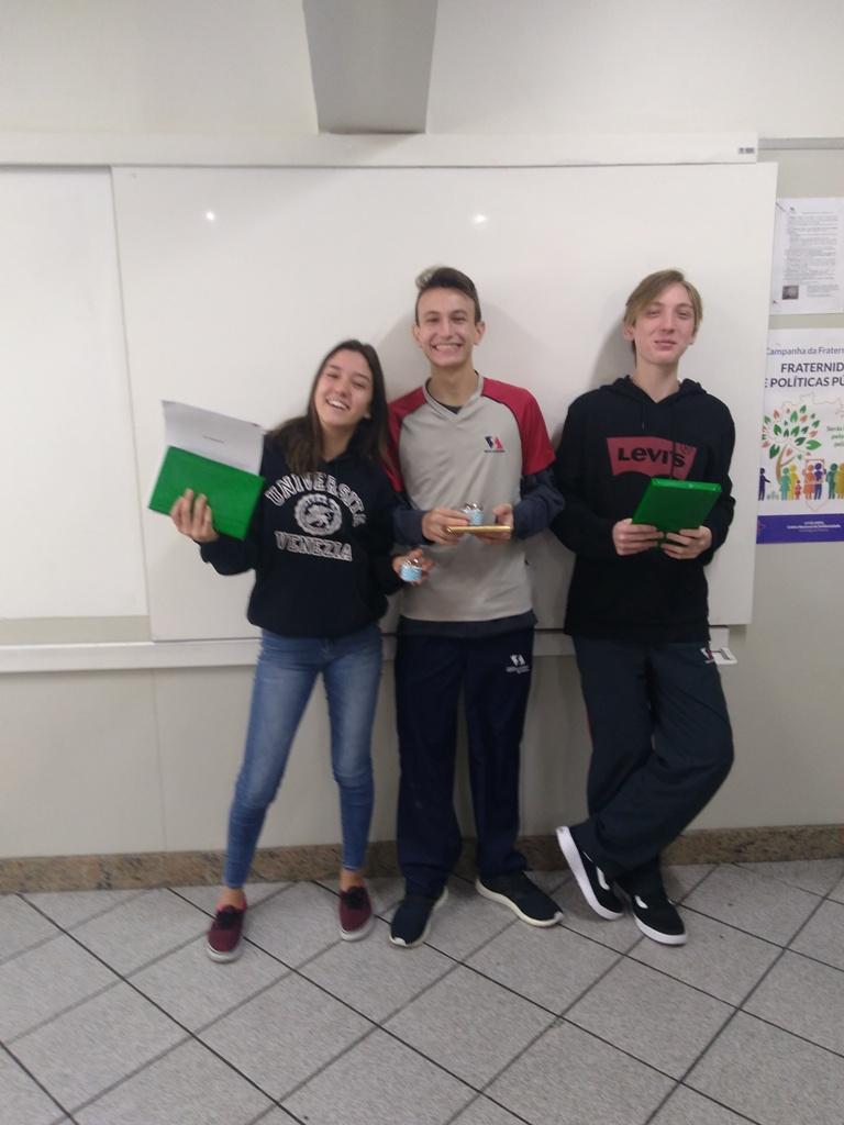 TA-Let-cia-Souza-Lucas-Leopoldino-Caio-Tomita-.jpg